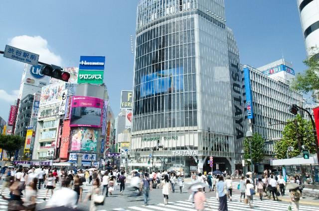 1. 澀谷的代名詞「澀谷站前十字路口(Scramble十字路口)」