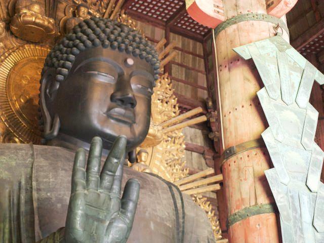 進入大佛殿後壯觀的「盧舍那佛像」