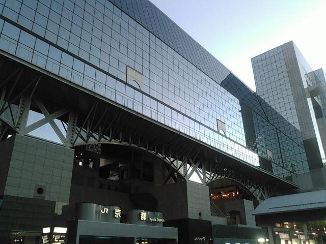 京都市內極為珍貴的大型現代建築