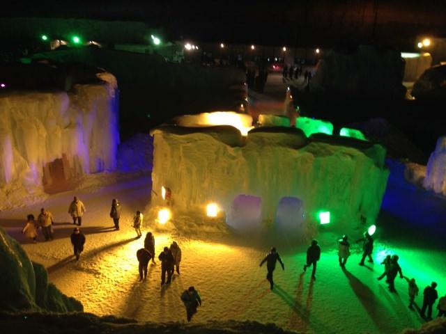 8. 自古以來的傳統祭典「層雲峽溫泉冰瀑祭典」