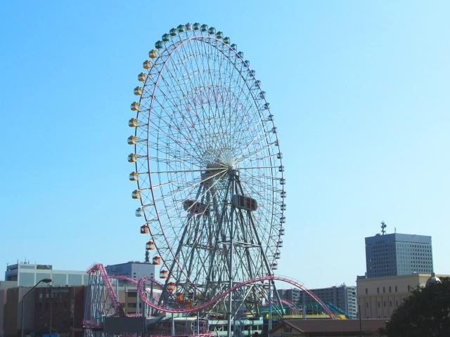 9. 不論是大人或是小孩都愛的遊樂場!「YOKOHAMA COSMO WORLD」