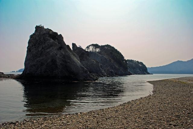 9. 欣賞奇岩的名勝地。說到岩手的名勝地便是「浄土浜」