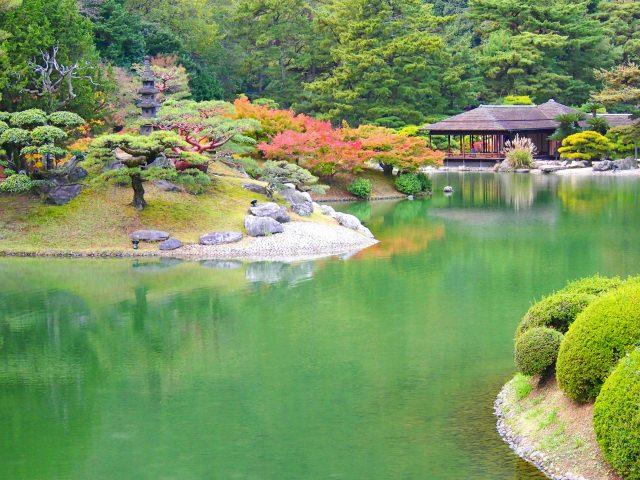 7. 在美麗的公園度過優雅的一天。有400年歷史的香川觀光名勝「粟林公園」