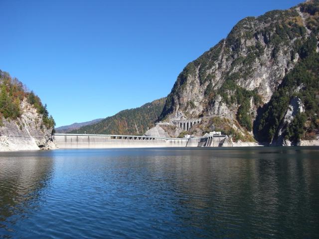 2. 北阿爾卑斯大自然名勝景點、「黑部水庫」