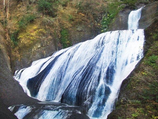 4. 日本三大名瀑之一。茨城縣有名的旅遊勝地「袋田瀑布」