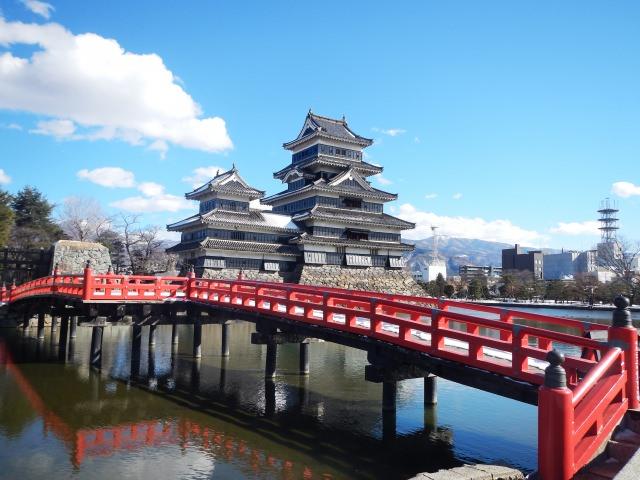1. 有很多令人滿足的旅遊地點!說到長野旅遊不得不提一下的「松本城」