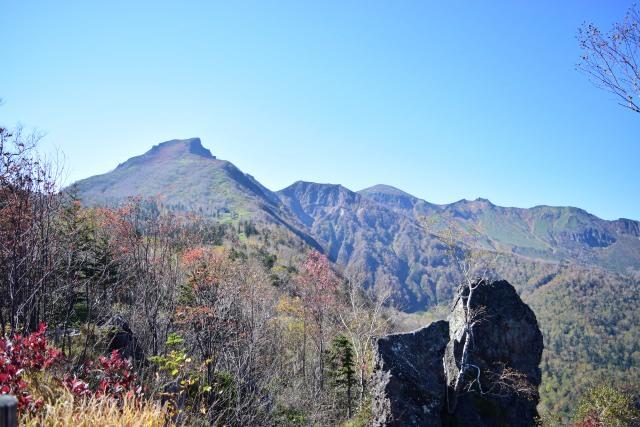 6. 壯大的瀑布景色與紅葉同時欣賞!「層雲峽」